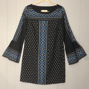 LOFT BEAUTIFUL SHIFT DRESS WITH  BELL SLEEVES SZ S